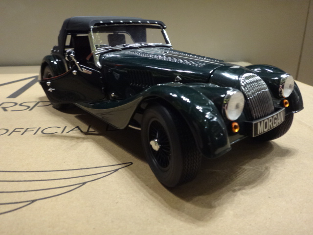 A0244 Morgan Car Model  A0244  4/4 SPORT green 1/18   A0244B tok 258